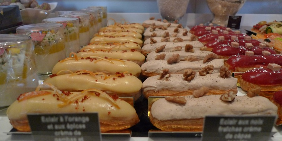 Eclairs_at_Fauchon_in_Paris